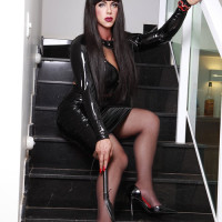 Donatela Latex Avatar
